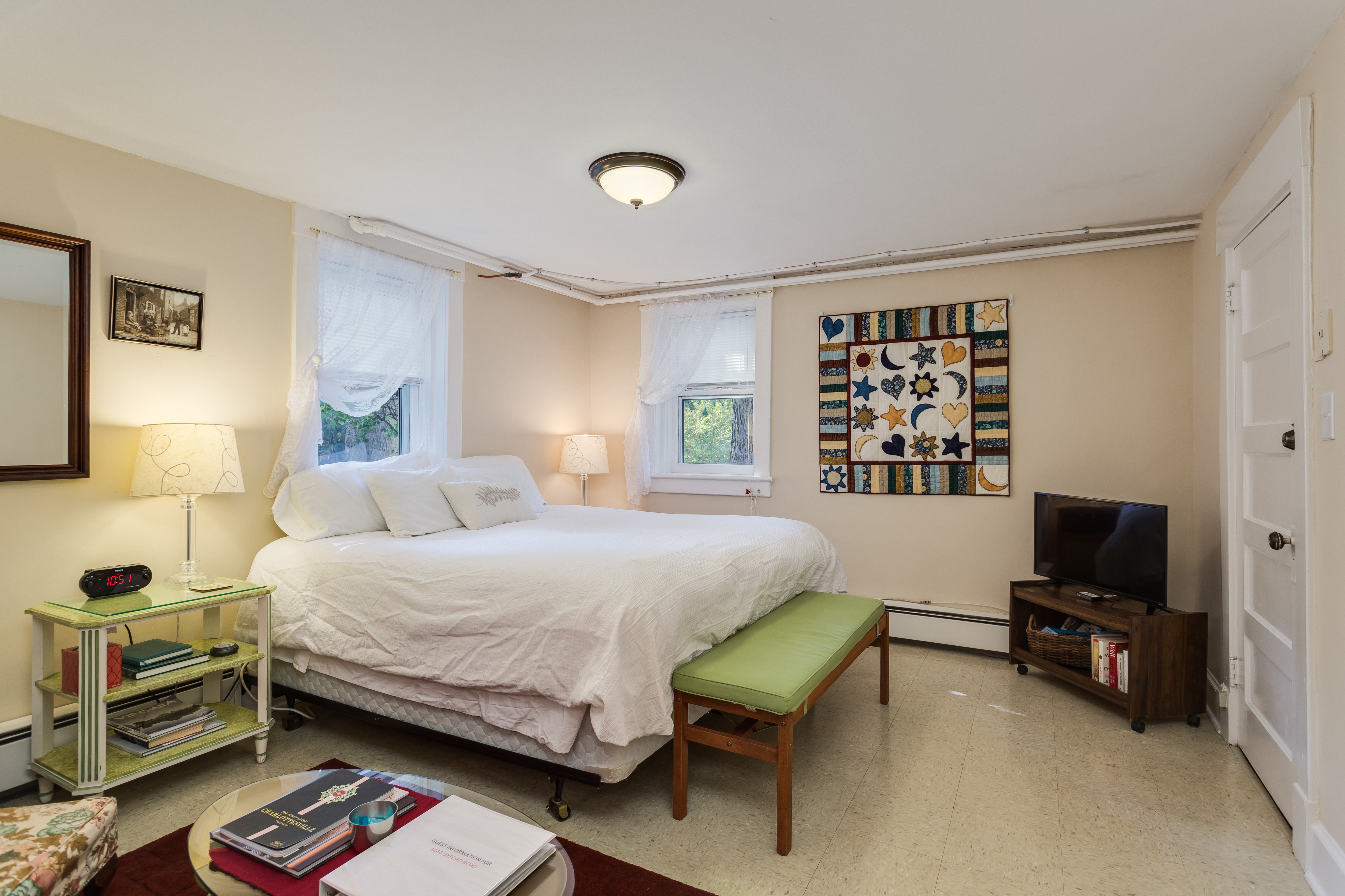 Oxford Suite - One Bedroom Studio Extended Stays in Charlottesville
