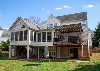 Spring Cove Home, four bedroom home for extended stays in Charlottesville, VA