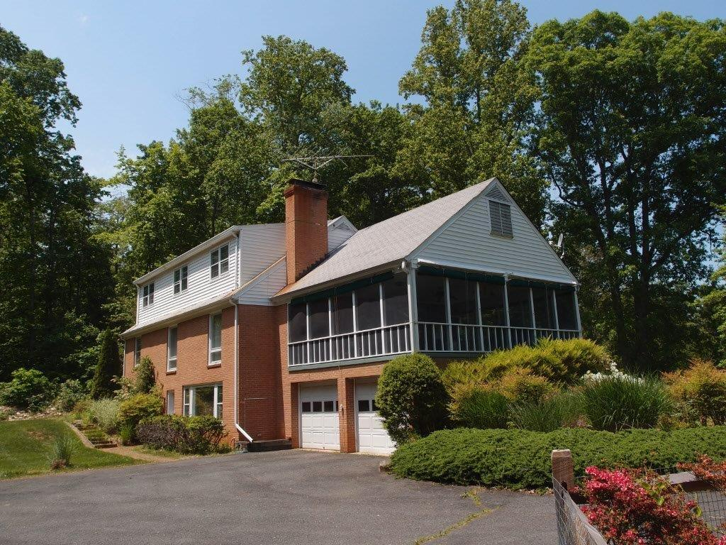 Clarington, four bedroom home for extended stays in Charlottesville, VA