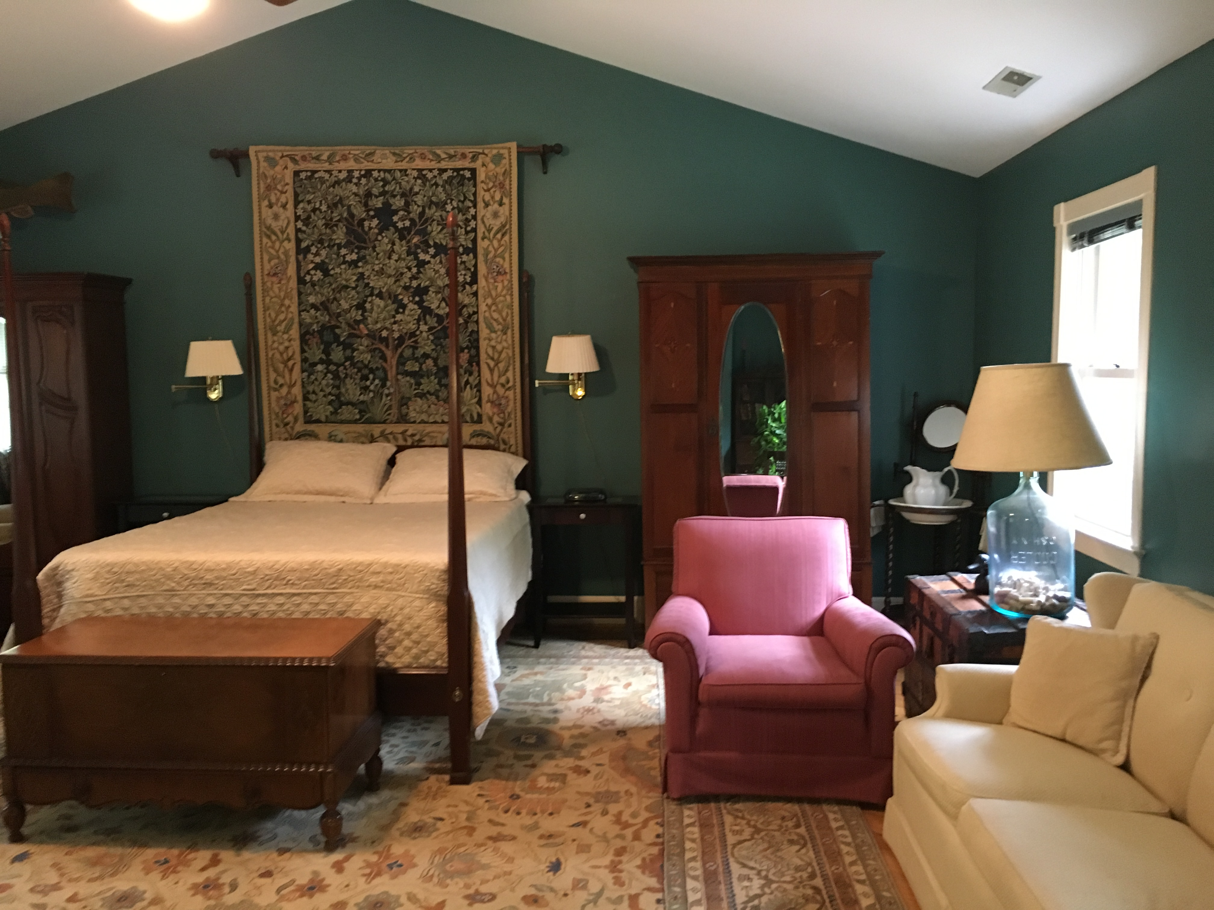 Red Fox Suite - One Bedroom Studio Extended Stays in Charlottesville