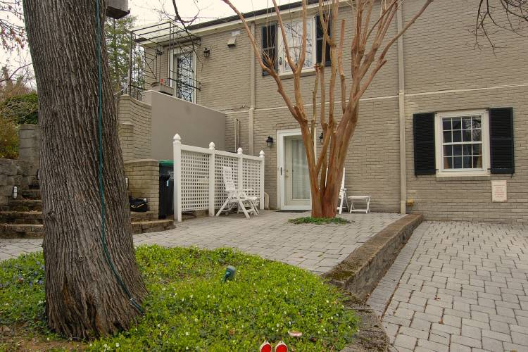 Anastasia - One Bedroom Apartment Extended Stays in Charlottesville