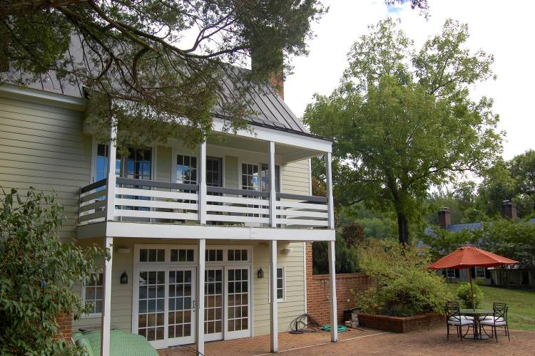Temple Hill Cottage - Two Bedroom cottage for extended stays in Charlottesville, VA