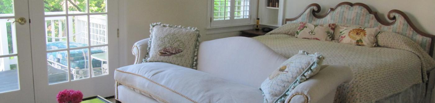 Beautiful bedroom in Charlottesville extended stay with scenic views in a perfect location